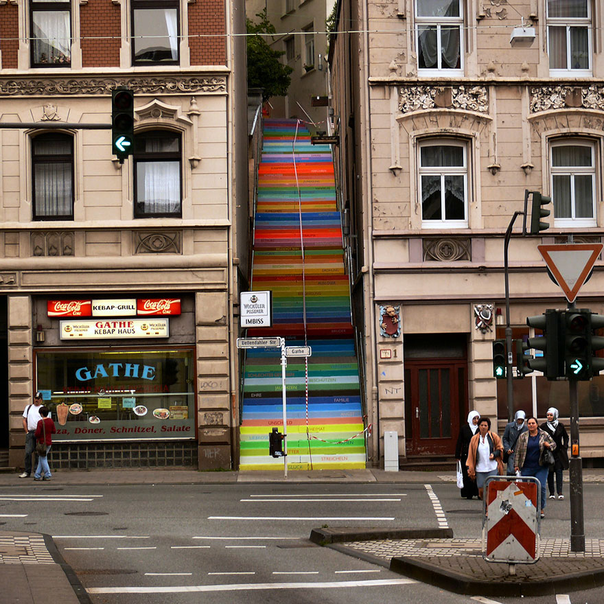 AD-The-World's-Most-Amazing-Staircases-31
