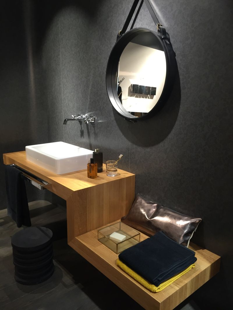 01-AD-Round-mirror-and-z-shaped-furniture-for-bathroom