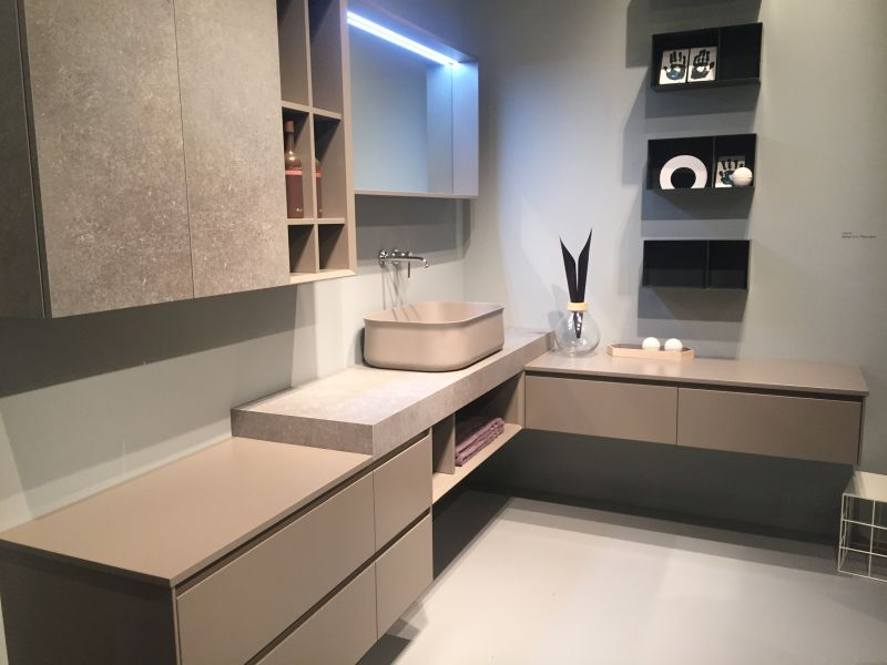 08-AD-Concrete-style-bathroom-feel