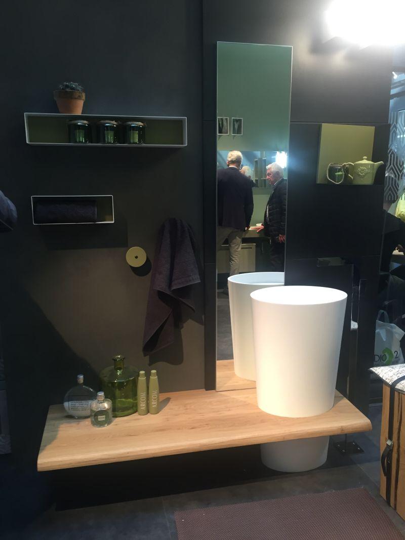 17-AD-Box-style-on-wall-for-bathroom-storage