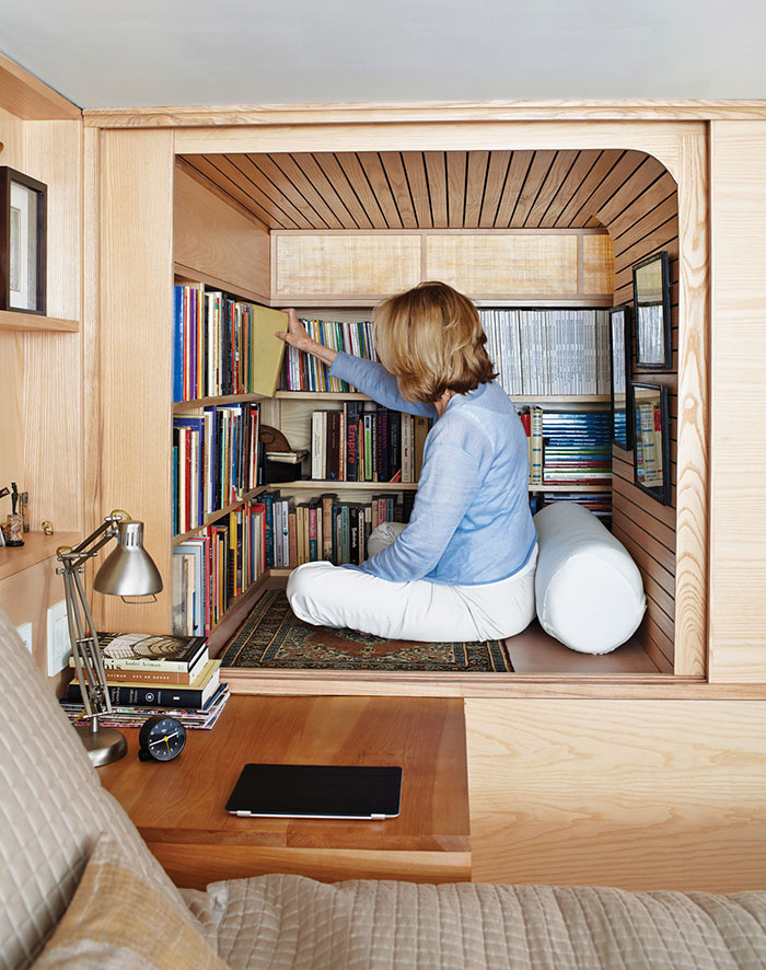 AD-Cozy-Reading-Nooks-Book-Corner-45