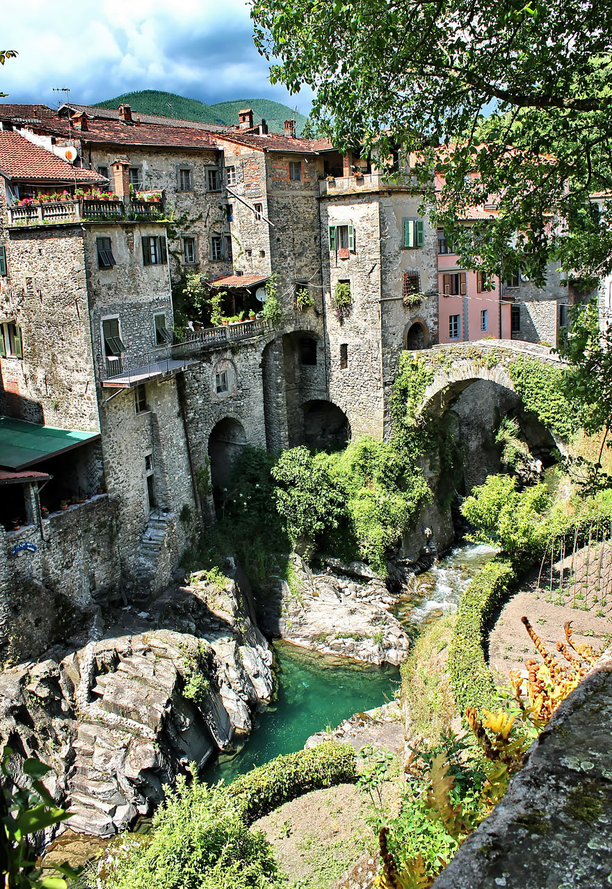 AD-Fairy-Tale-Villages-06