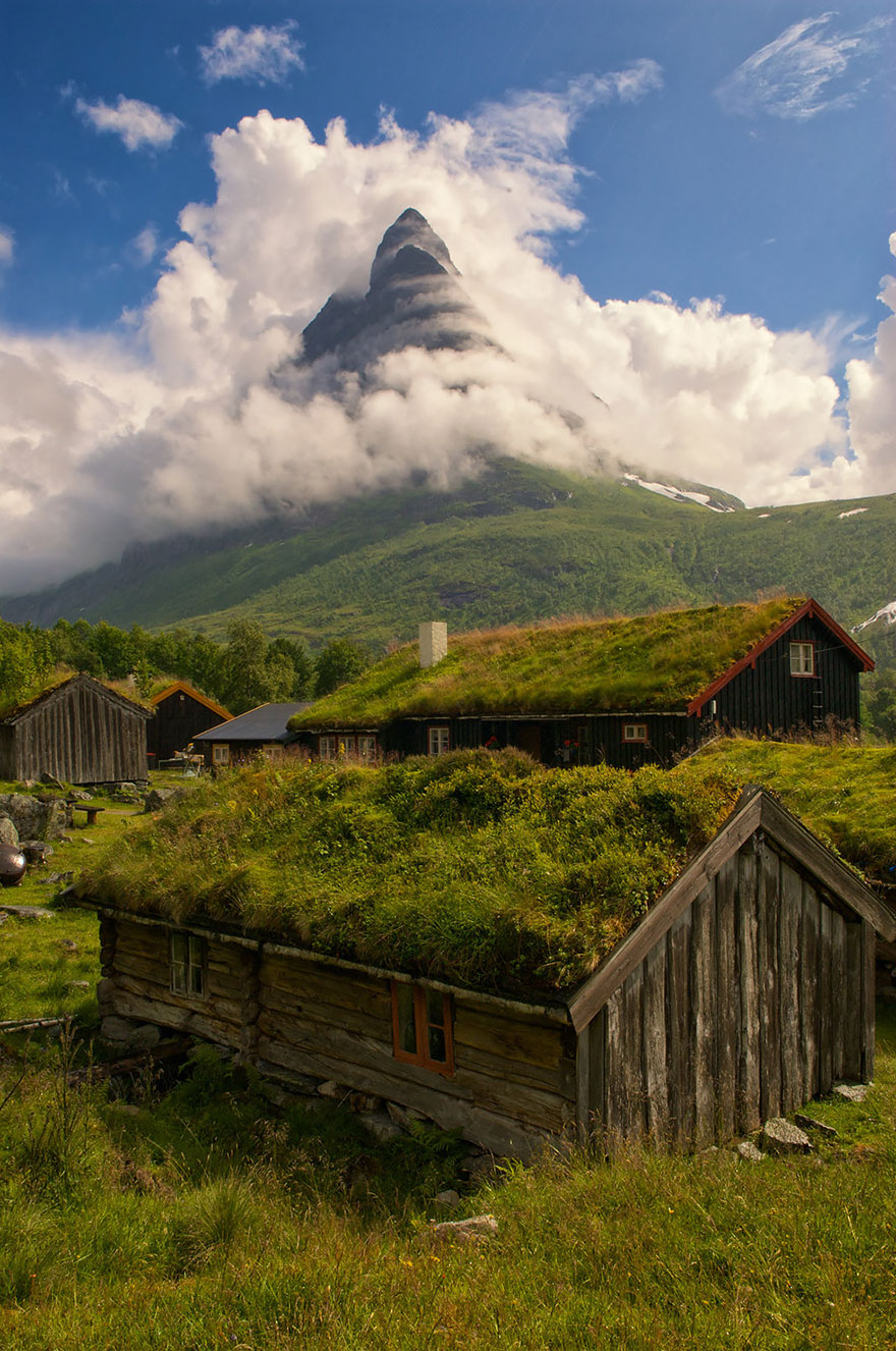 AD-Fairy-Tale-Villages-11