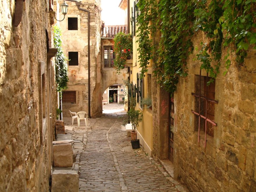 AD-Fairy-Tale-Villages-42
