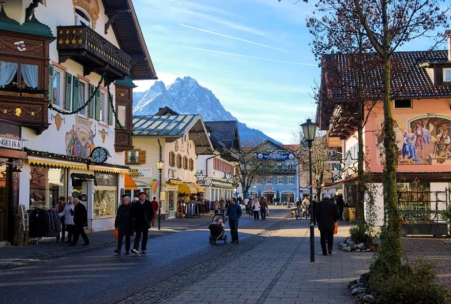 AD-Fairy-Tale-Villages-48