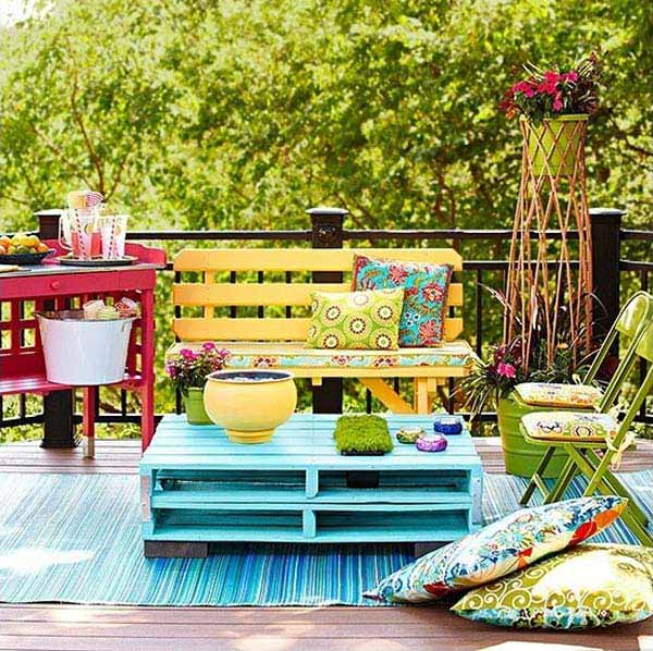 AD-Small-Furniture-Ideas-to-Pursue-For-Your-Small-Balcony-02