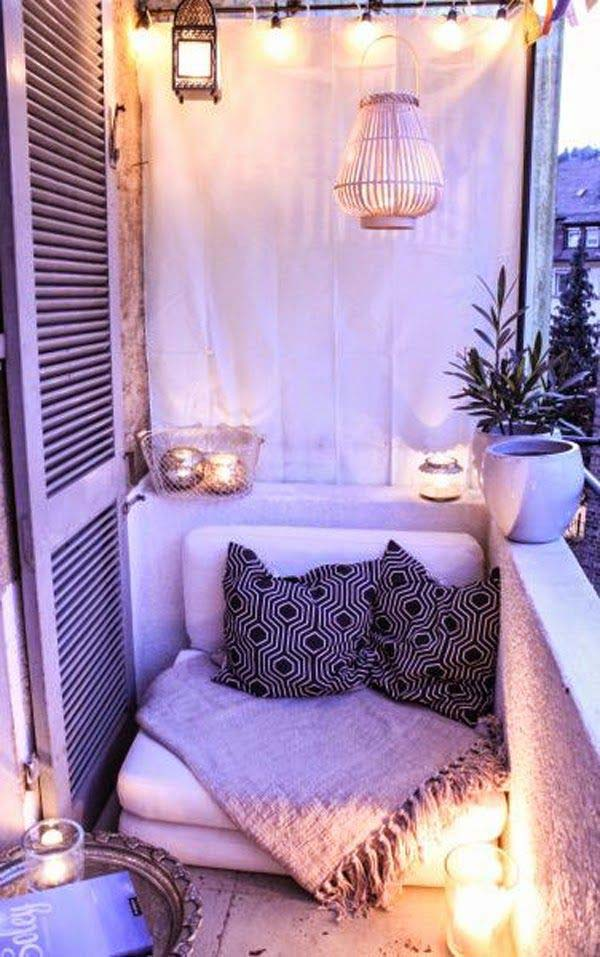 AD-Small-Furniture-Ideas-to-Pursue-For-Your-Small-Balcony-06