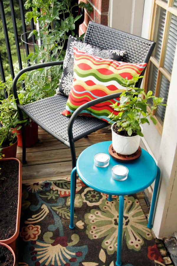 AD-Small-Furniture-Ideas-to-Pursue-For-Your-Small-Balcony-08