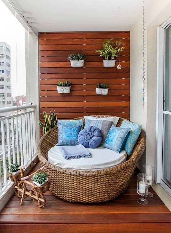 AD-Small-Furniture-Ideas-to-Pursue-For-Your-Small-Balcony-19