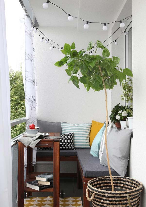 AD-Small-Furniture-Ideas-to-Pursue-For-Your-Small-Balcony-25