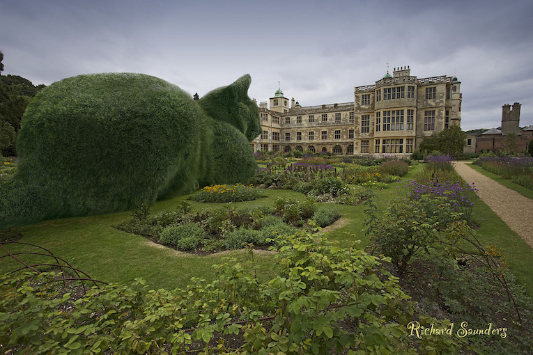 AD-Topiary-Cats-by-Richard-Saunders-005