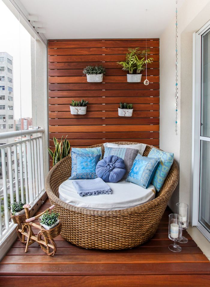 AD-Cozy-Balcony-Decorating-Ideas-10