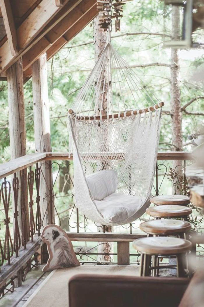 AD-Cozy-Balcony-Decorating-Ideas-21