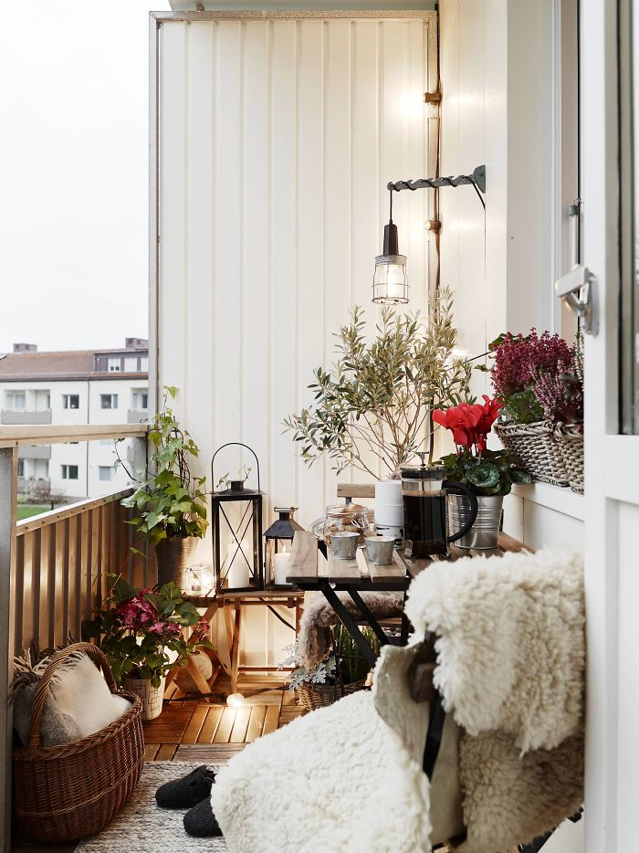 AD-Cozy-Balcony-Decorating-Ideas-28
