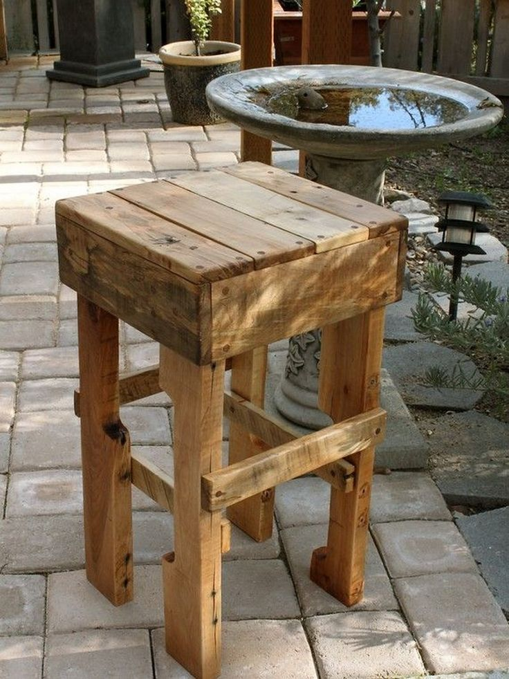 AD-Furniture-You-Can-Create-Using-Old-Pallets-17