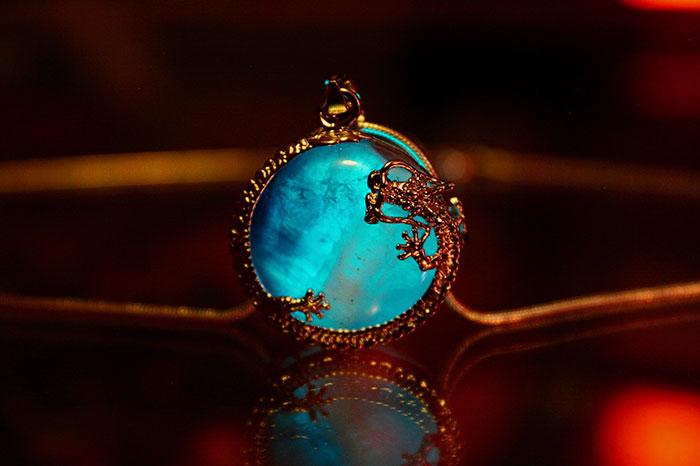AD-Jewelry-Glow-In-The-Dark-Manon-Richard-01
