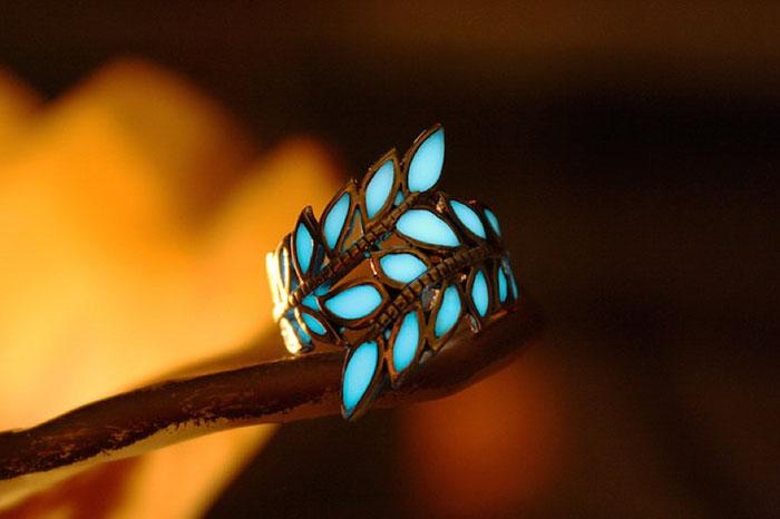 AD-Jewelry-Glow-In-The-Dark-Manon-Richard-05