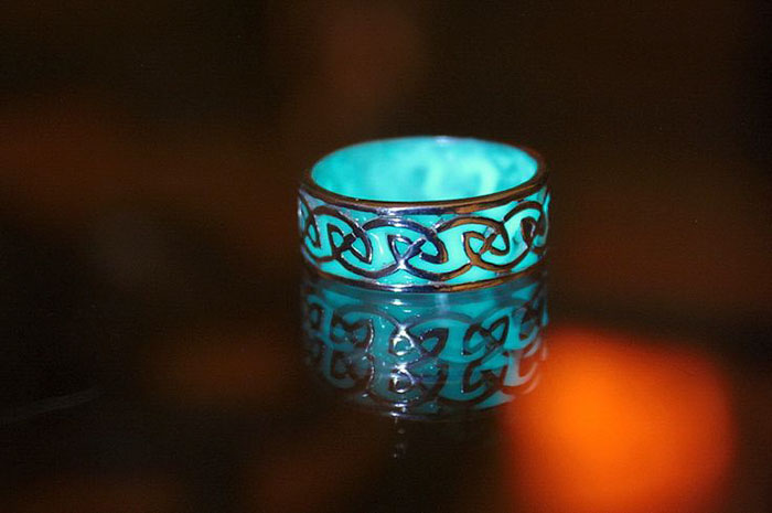AD-Jewelry-Glow-In-The-Dark-Manon-Richard-07