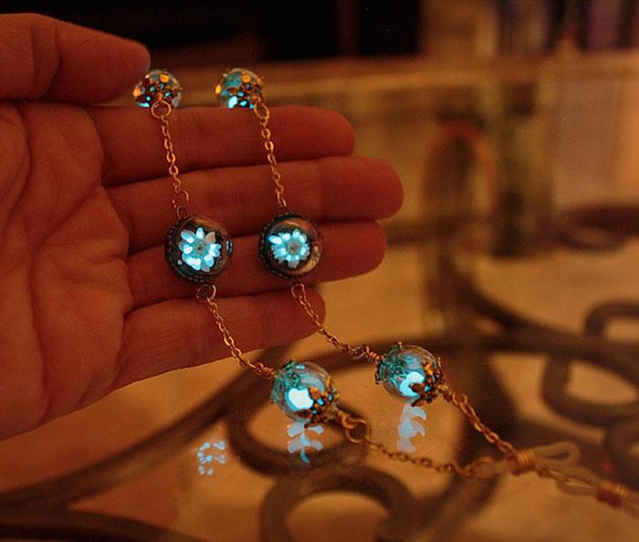 AD-Jewelry-Glow-In-The-Dark-Manon-Richard-12