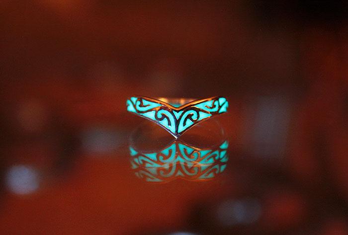 AD-Jewelry-Glow-In-The-Dark-Manon-Richard-15