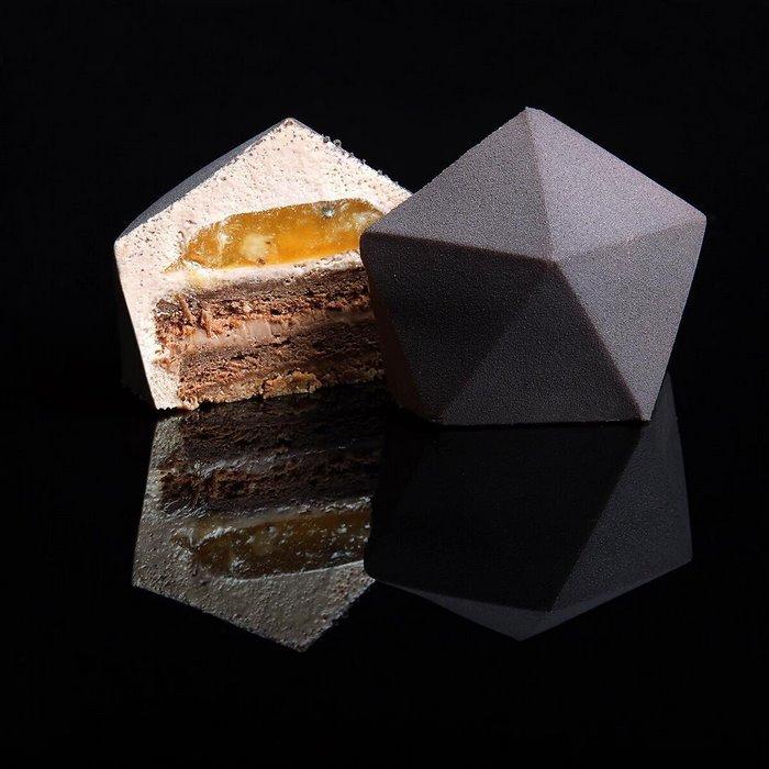 AD-Architectural-Cake-Designs-Patisserie-Dinara-Kasko-03