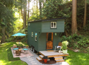 This Tidy Tiny Home Actually Has Room for You And a Guest