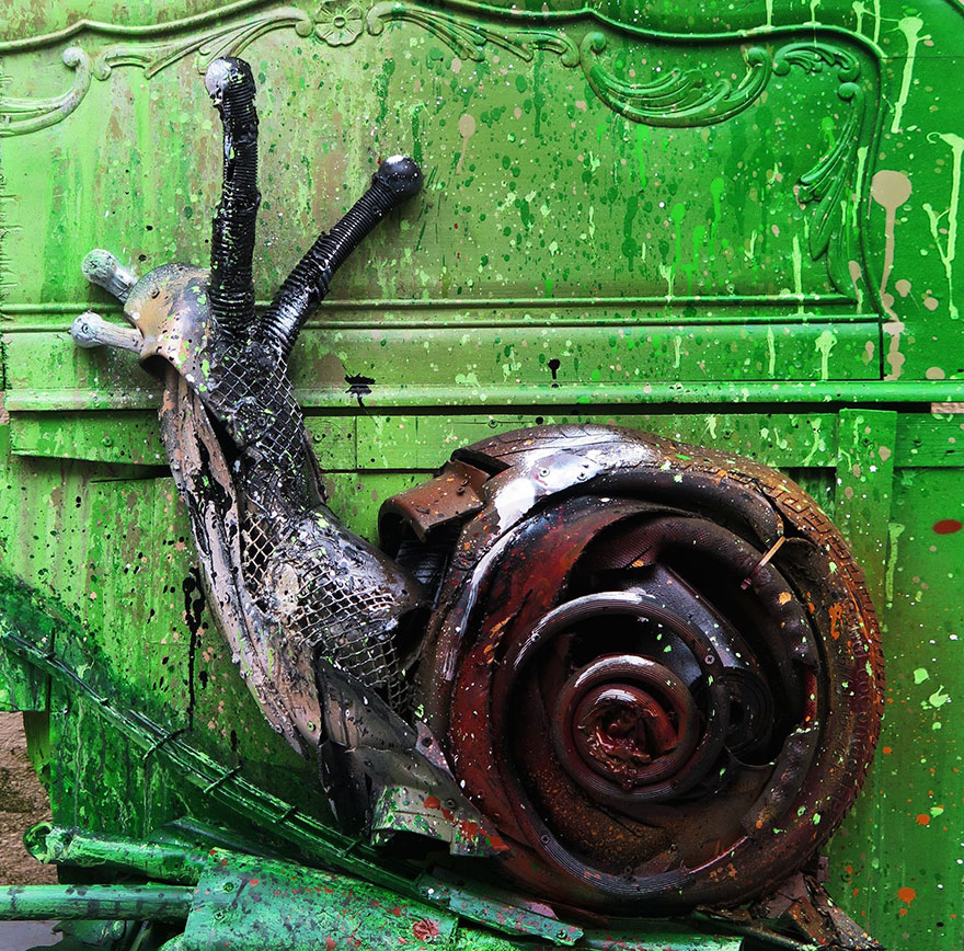 AD-Trash-Animal-Sculptures-Artur-Bordalo-17