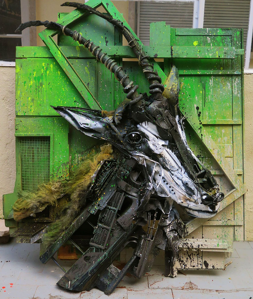 AD-Trash-Animal-Sculptures-Artur-Bordalo-20