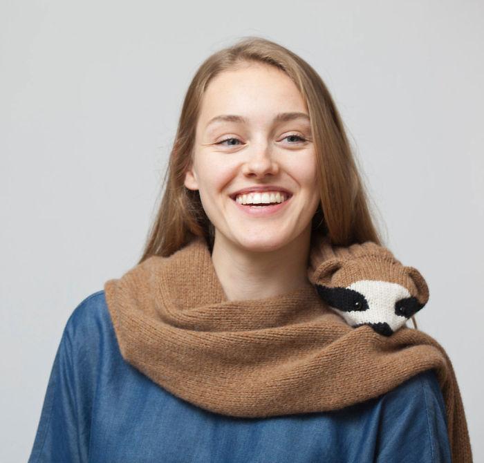 AD-3D-Animal-Scarves-That-Bite-Nina-Fuhrer-21