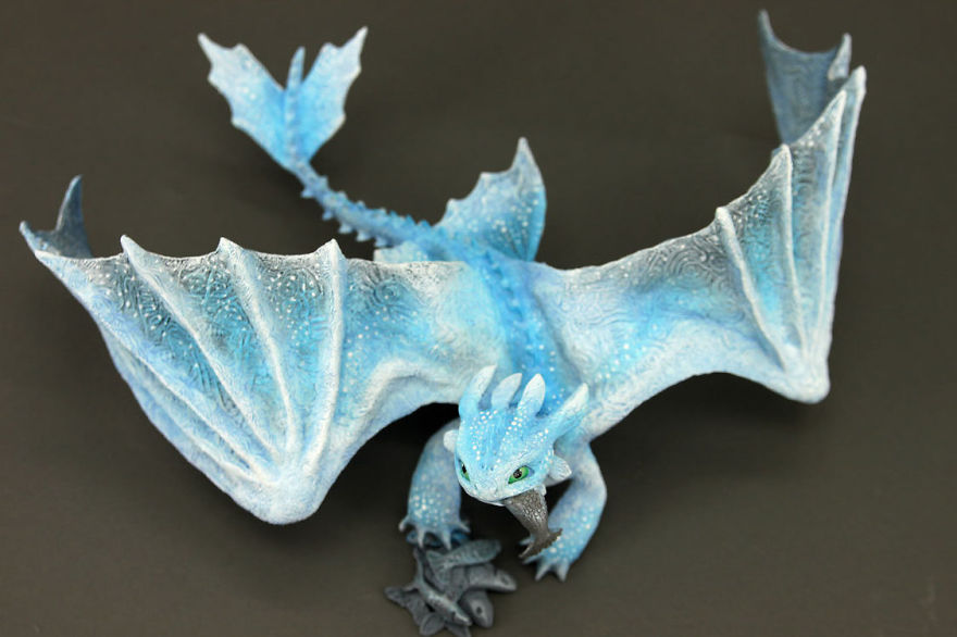 AD-Russian-Artist-Creates-Fantasy-Animal-Sculptures-From-Velvet-Clay-04