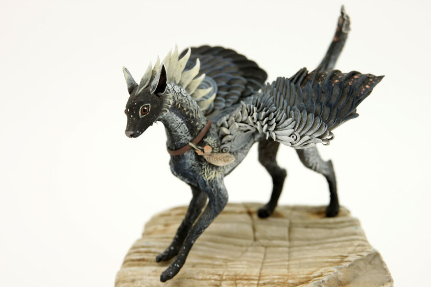AD-Russian-Artist-Creates-Fantasy-Animal-Sculptures-From-Velvet-Clay-08