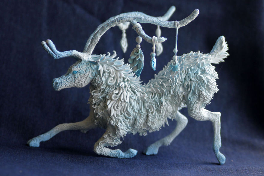 AD-Russian-Artist-Creates-Fantasy-Animal-Sculptures-From-Velvet-Clay-14
