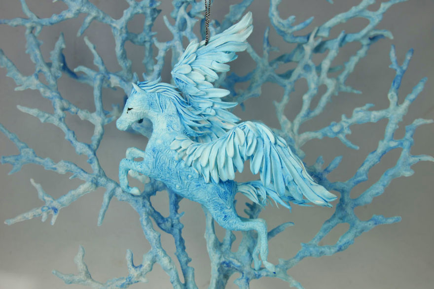 AD-Russian-Artist-Creates-Fantasy-Animal-Sculptures-From-Velvet-Clay-18