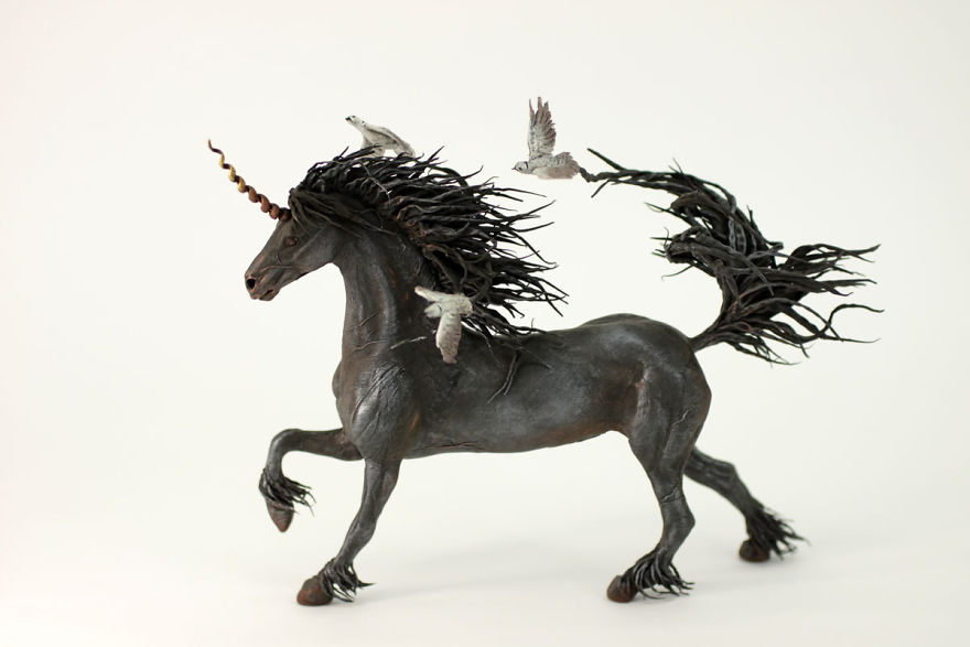 AD-Russian-Artist-Creates-Fantasy-Animal-Sculptures-From-Velvet-Clay-20