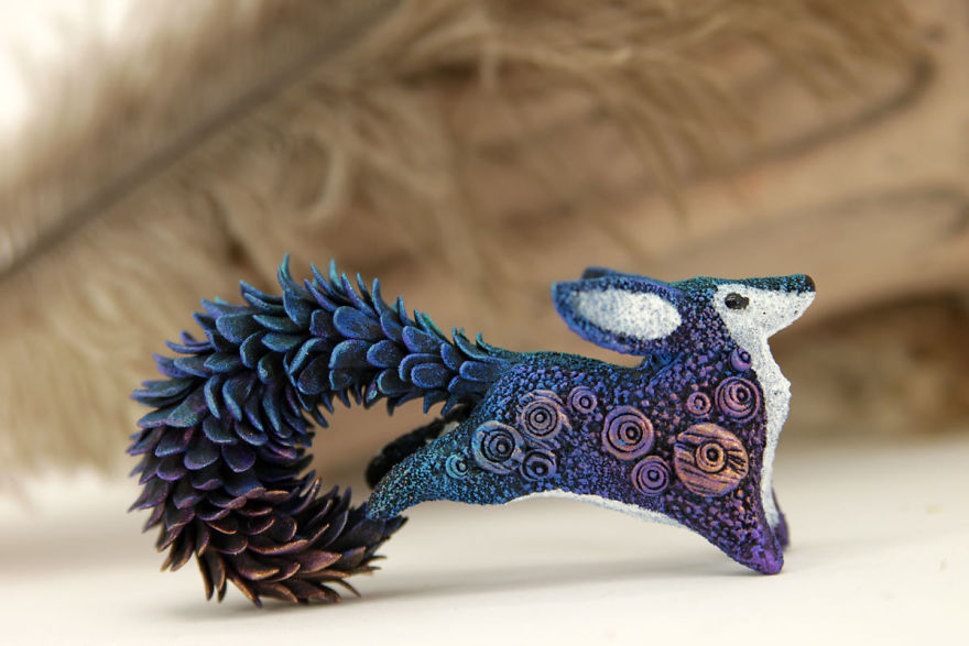 AD-Russian-Artist-Creates-Fantasy-Animal-Sculptures-From-Velvet-Clay-25