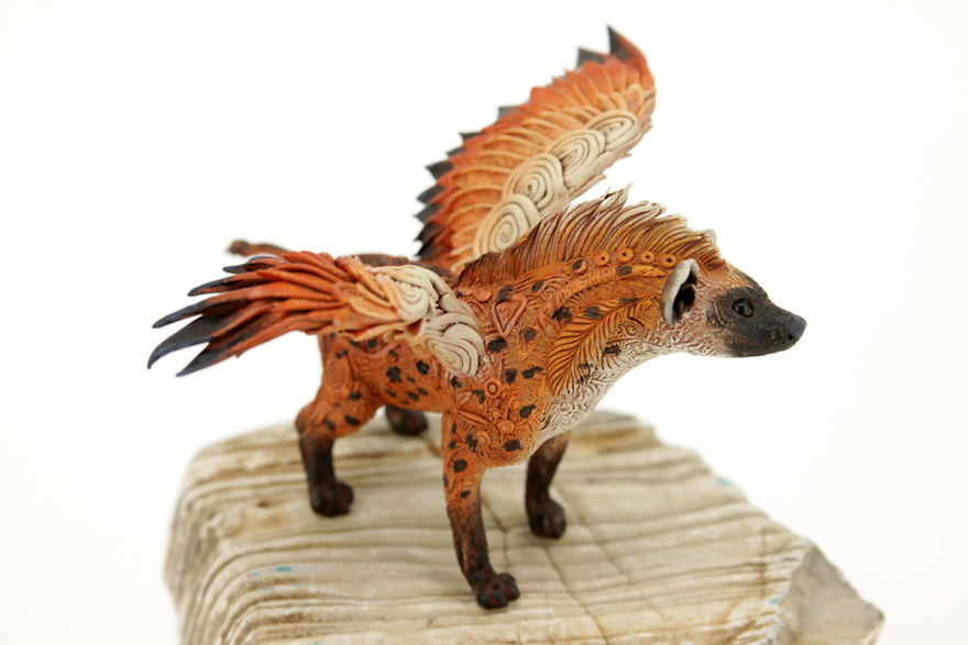 AD-Russian-Artist-Creates-Fantasy-Animal-Sculptures-From-Velvet-Clay-29