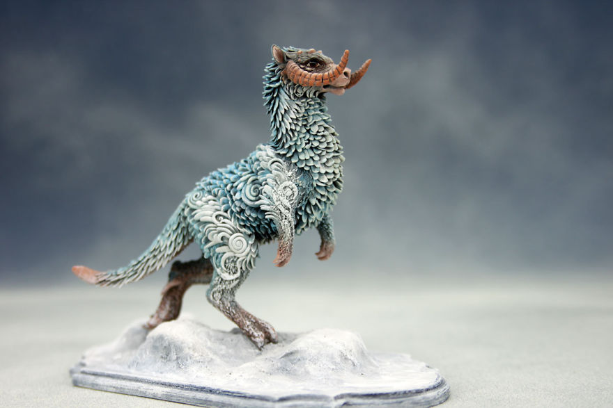 AD-Russian-Artist-Creates-Fantasy-Animal-Sculptures-From-Velvet-Clay-30