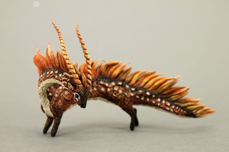 AD-Russian-Artist-Creates-Fantasy-Animal-Sculptures-From-Velvet-Clay-31