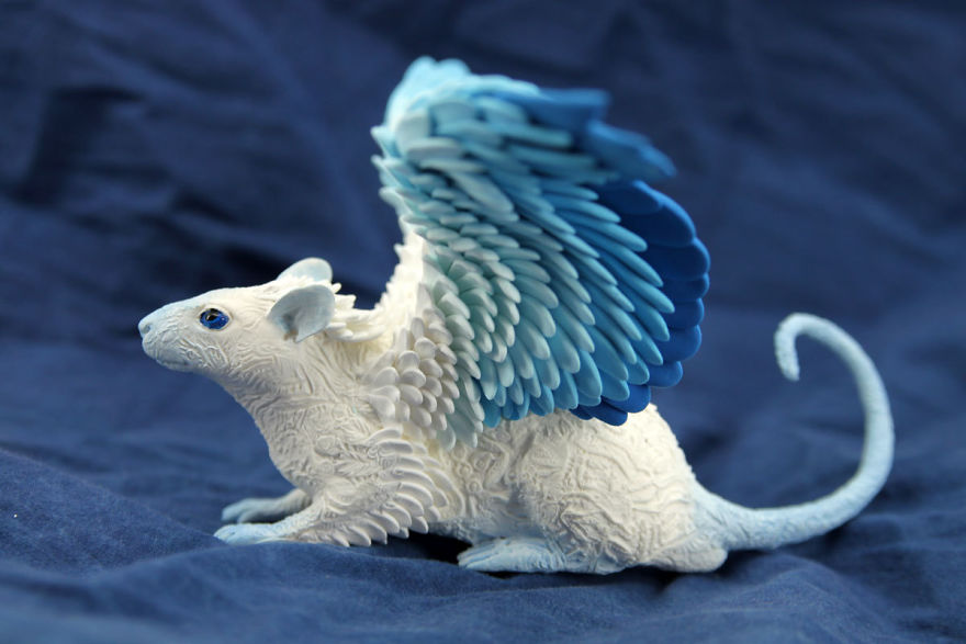 AD-Russian-Artist-Creates-Fantasy-Animal-Sculptures-From-Velvet-Clay-32