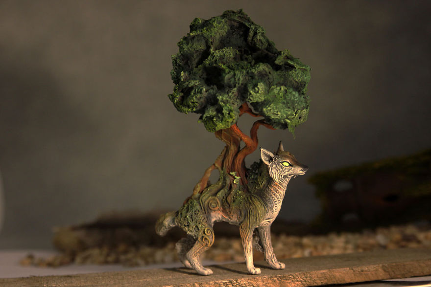 AD-Russian-Artist-Creates-Fantasy-Animal-Sculptures-From-Velvet-Clay-33