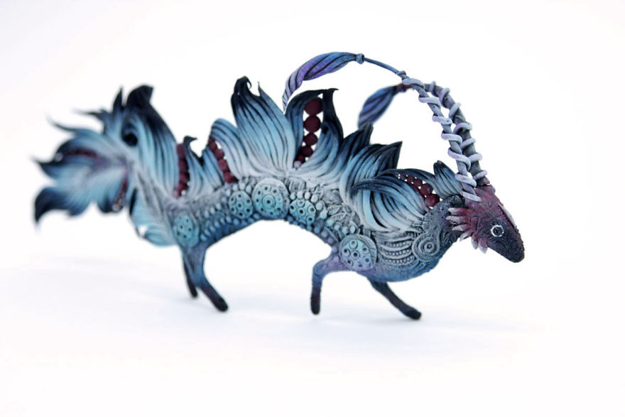 AD-Russian-Artist-Creates-Fantasy-Animal-Sculptures-From-Velvet-Clay-35