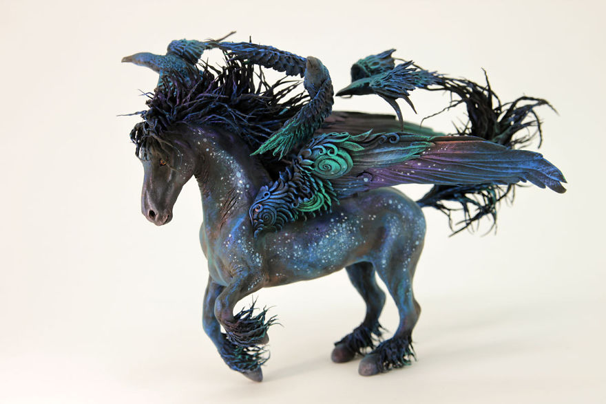 AD-Russian-Artist-Creates-Fantasy-Animal-Sculptures-From-Velvet-Clay-42