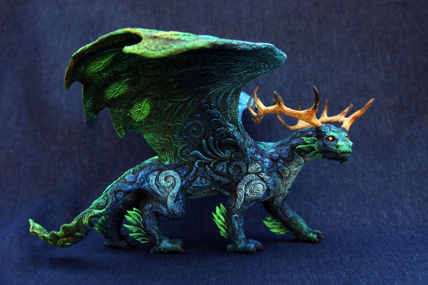 AD-Russian-Artist-Creates-Fantasy-Animal-Sculptures-From-Velvet-Clay-45