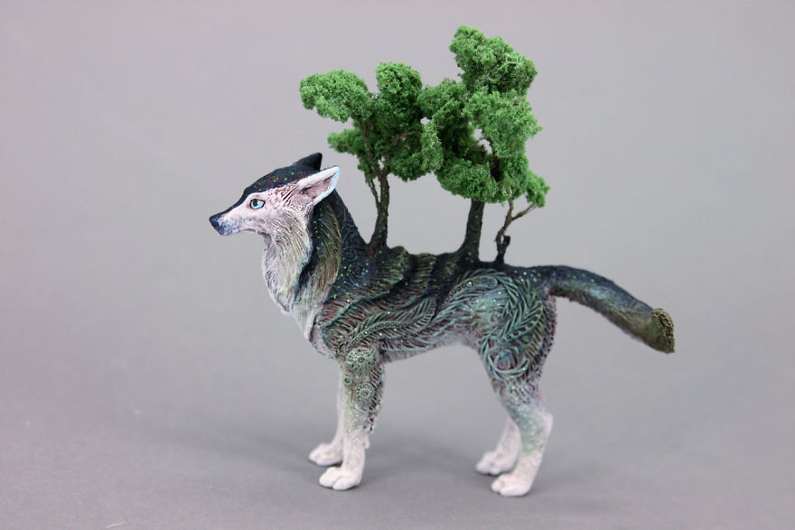 AD-Russian-Artist-Creates-Fantasy-Animal-Sculptures-From-Velvet-Clay-57