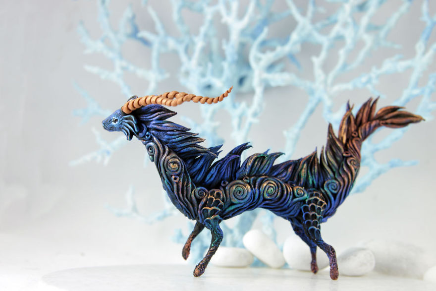 AD-Russian-Artist-Creates-Fantasy-Animal-Sculptures-From-Velvet-Clay-59