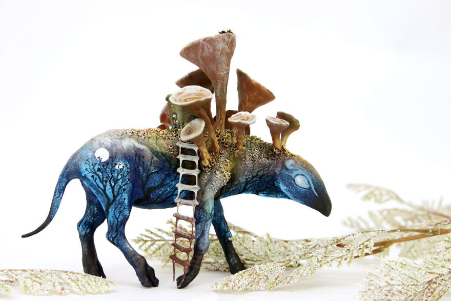 AD-Russian-Artist-Creates-Fantasy-Animal-Sculptures-From-Velvet-Clay-60