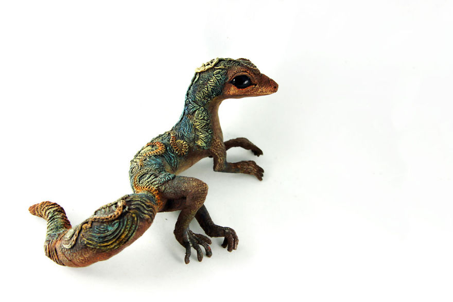 AD-Russian-Artist-Creates-Fantasy-Animal-Sculptures-From-Velvet-Clay-73