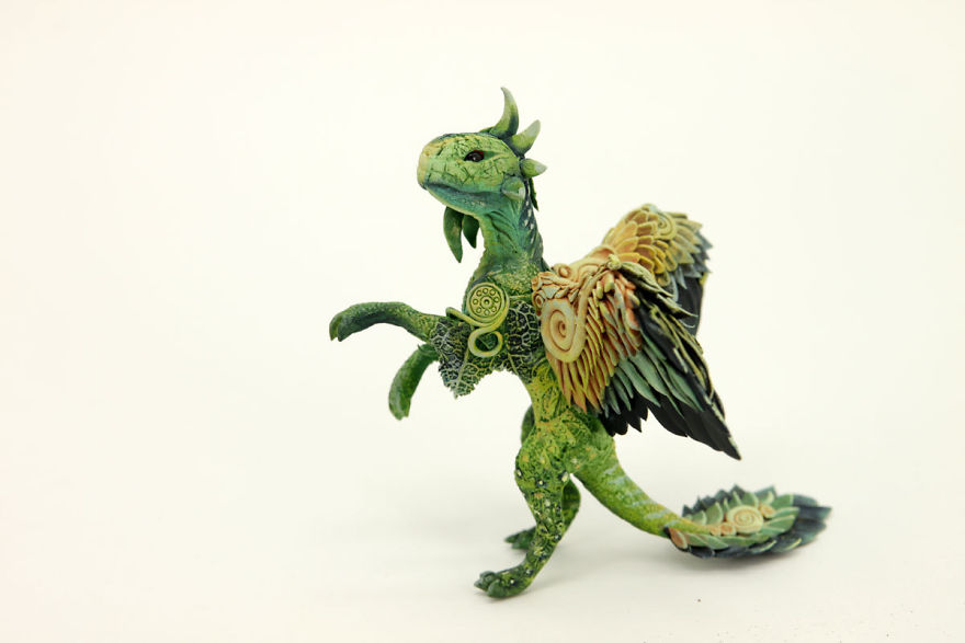 AD-Russian-Artist-Creates-Fantasy-Animal-Sculptures-From-Velvet-Clay-76