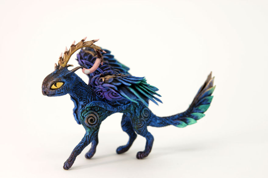AD-Russian-Artist-Creates-Fantasy-Animal-Sculptures-From-Velvet-Clay-82