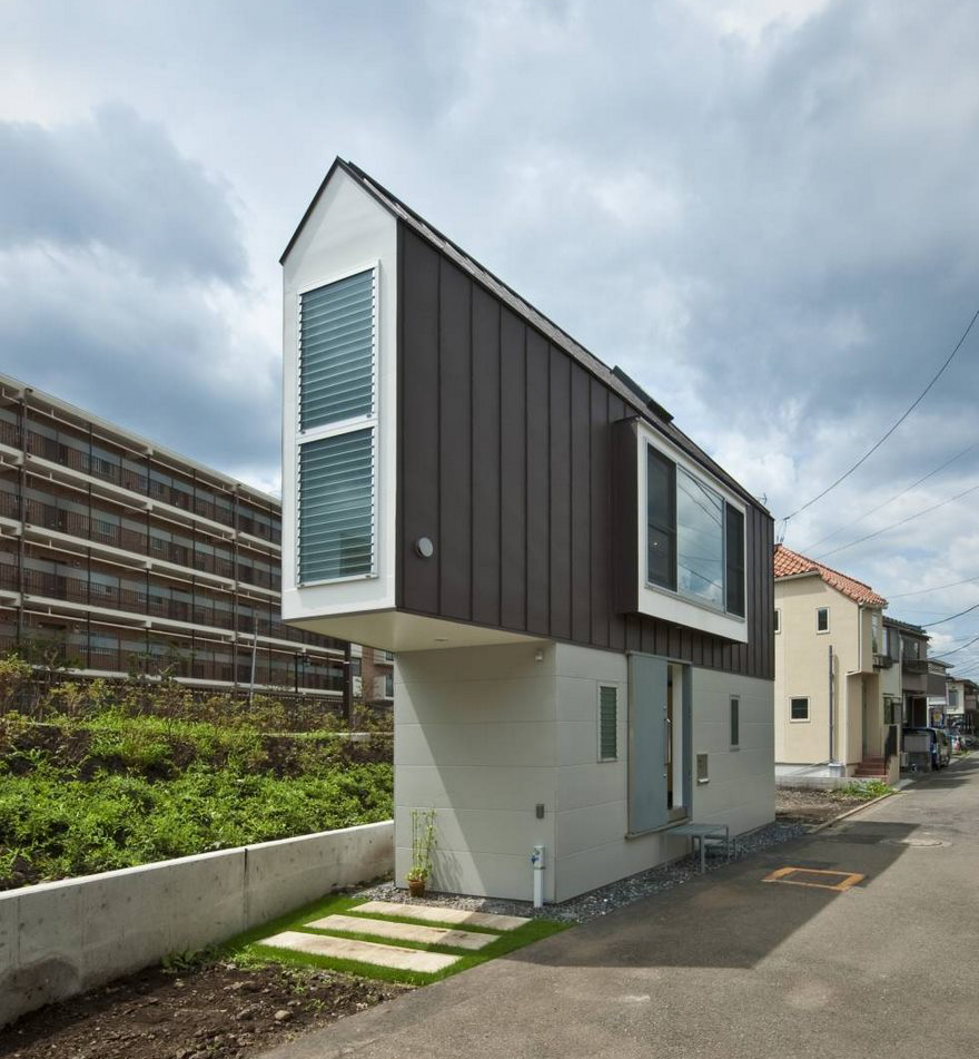 This Narrow House In Japan Only Looks Tiny Until You Look Inside on puerto rico small homes, japan treehouse, connecticut small homes, sweden small homes, small southern homes, wisconsin small homes, kyoto small homes, greece small homes, world small homes, english small homes, japan education, japanese style small homes, 1990s small homes, new england small homes, 1940s small homes, costa rica small homes, ireland small homes, uk small homes, california small homes, spain small homes,